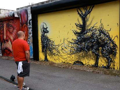 Art Basel Miami Graffiti Murals All Over Wynwood - ABC News