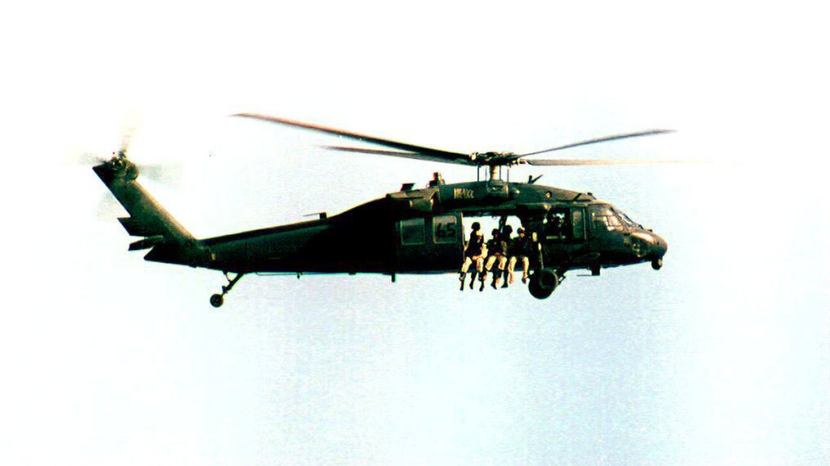 GTY black hawk somalia 1993 lpl 131004 U.S. Military Advisers Deployed to Somalia: First Time Since Blackhawk Down