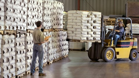 gty forklift dm 120427 wblog GDP Growth Slows to 2.2 Percent in Q1