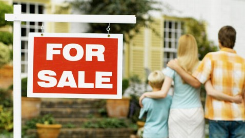 gty home owners for sale thg 111031 wblog Economists: Housing Rebound a Year Away