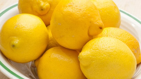 gty lemons ll 120614 wblog Sour Lemons: Consumer Group Accuses 4 Brands of Watered Down Juice