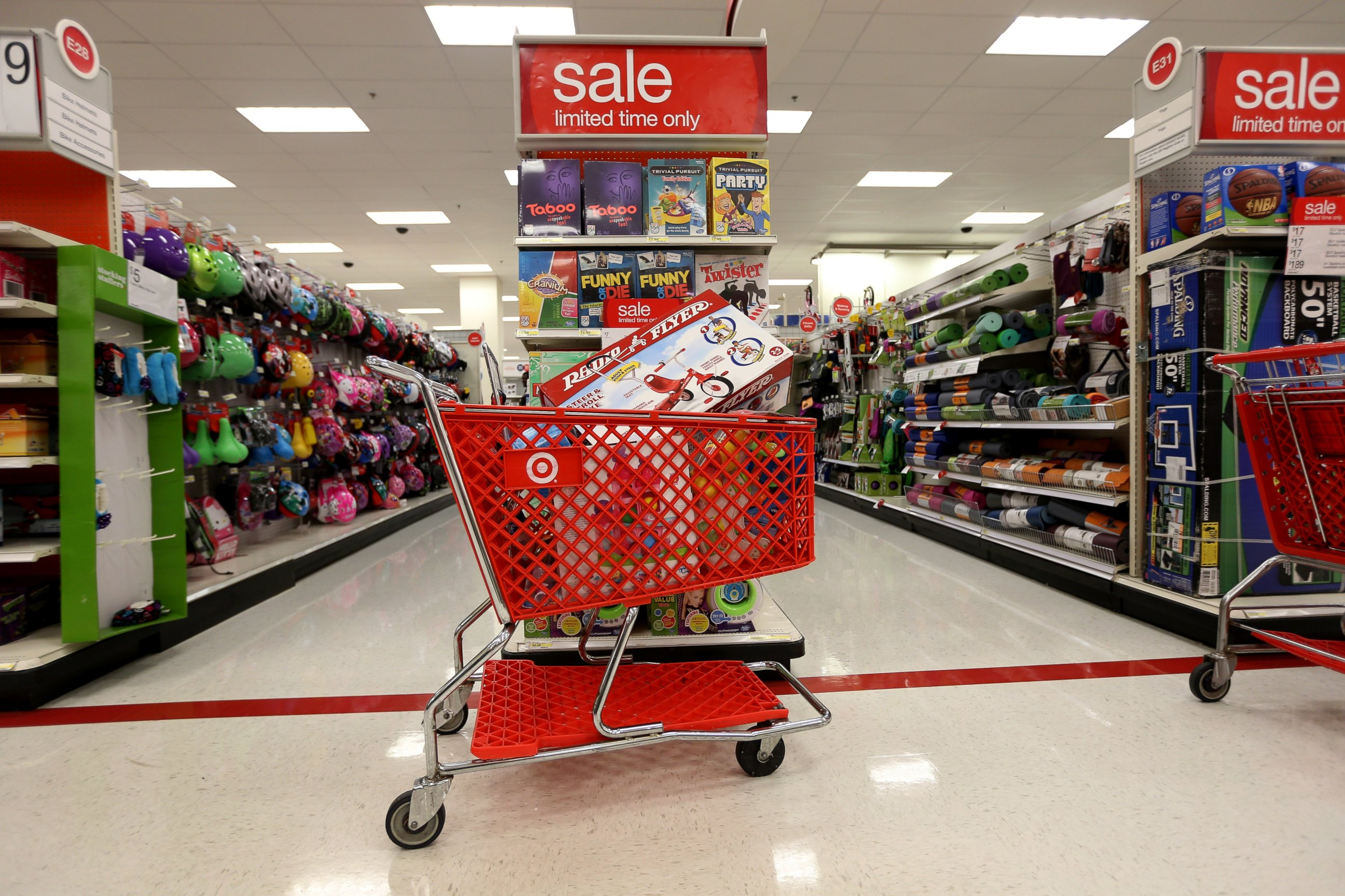 gty target store wy 131220 Target Nearly Doubles Estimate of Customers Affected by Data Breach