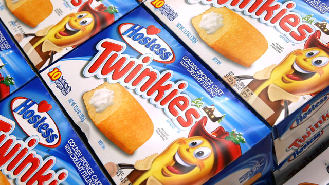 gty twinkies dm 121214 wmain Twinkies Will Return After Sale to Buyout Firm