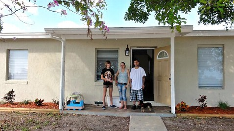 ht Willow tenants doorway nt 120312 wblog Florida 14 Year Old Buys Distressed Home