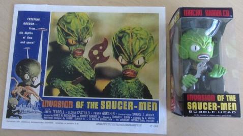 ht saucer men tk 120802 wblog Invasion of the Saucer Men Claims Alien Ripped Off