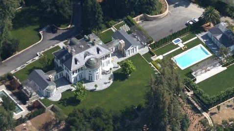 ht woodside estate tully friedman sswm jt 130125 wblog California Home May Be Second Most Expensive Property Ever Sold