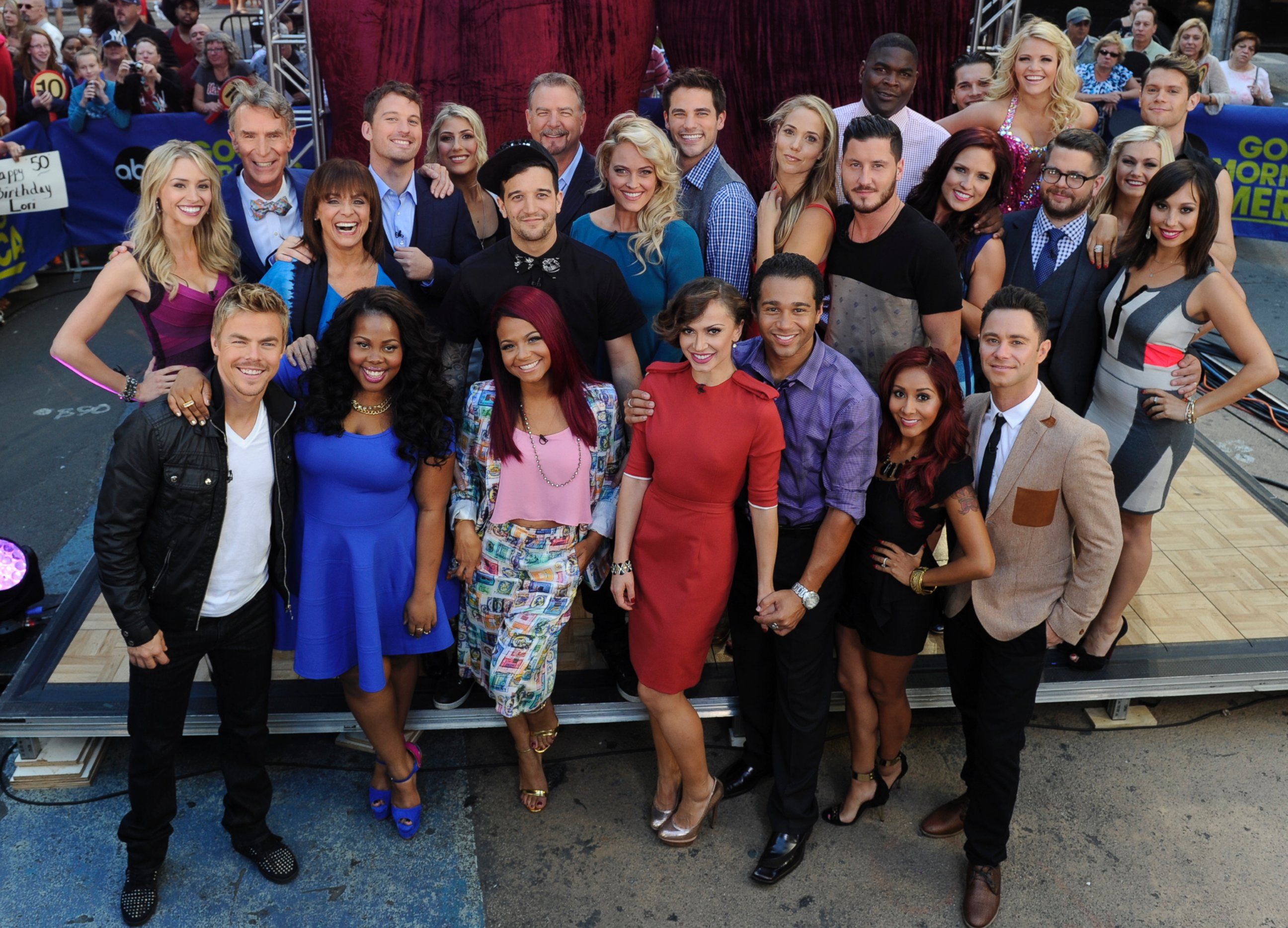 ABC cast dancing with the stars season 17 thg 130904 Dancing With the Stars: Glee Star Amber Riley Leads in Season 17 Premiere