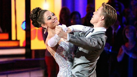 ABC dwts maria menounos jp 120430 wblog Dancing With the Stars: Maria Menounos Gets First Perfect Score of Season 14