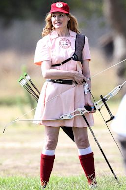 GSI geena davis league own nt 130807 2x3 384 Geena Davis Rocks A League of Their Own Uniform 21 Years Later (Photo)