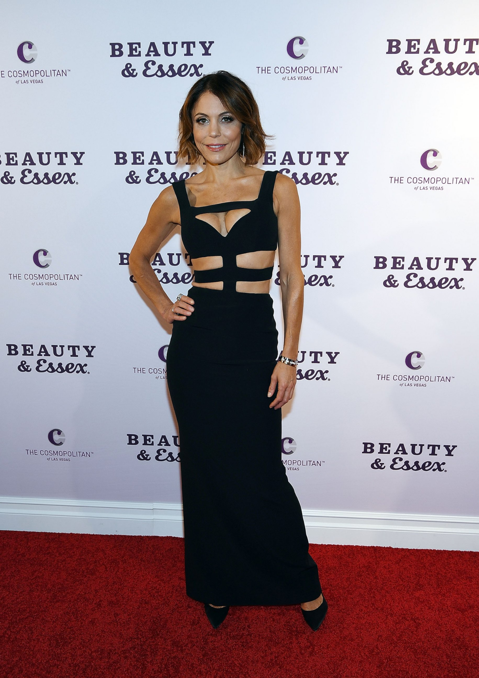 Bethenny Frankel Shows Off Her Abs