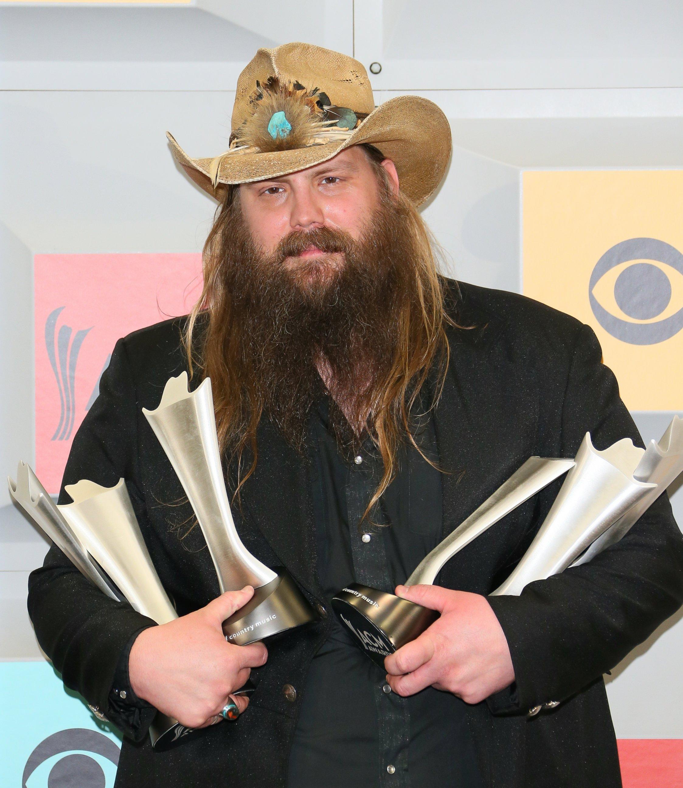 Academy of country music awards acm awards - Chris stapleton scarecrow in the garden ...