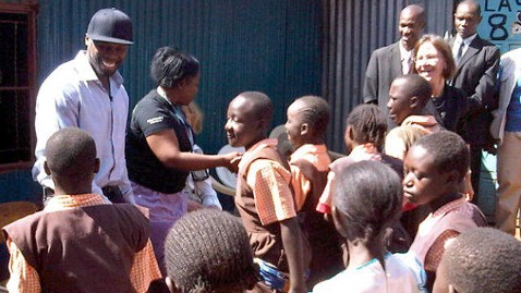 abc 50 cent 1 jef 120209 wblog Reporters Notebook: Rapper 50 Cent Dances, Delivers Meals in Africa