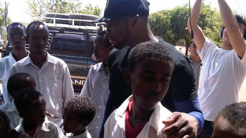 abc 50 cent 2 jef 120209 wblog Reporters Notebook: Rapper 50 Cent Dances, Delivers Meals in Africa
