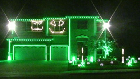 abc Riverside home lights nt 111024 wblog Halloween As the New Christmas: Can You Top This House?