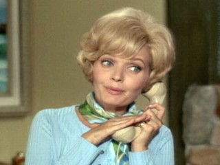 "PHOTO: Florence Henderson, as Carol Brady, is seen in a scene from ""The Brady Bunch"" in this undated file photo."