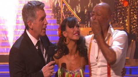 abc dancing martinez win kd 111122 wblog J.R. Martinez Wins Dancing With the Stars Season 13
