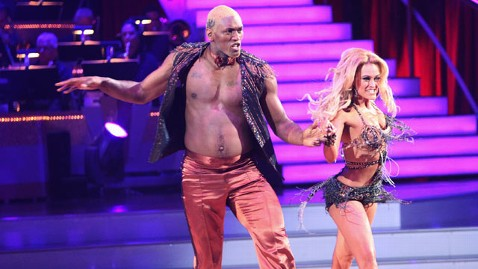 abc dwts ron artest waltz thg 110920 wblog Dancing With the Stars: Ron Artest Has No Regrets