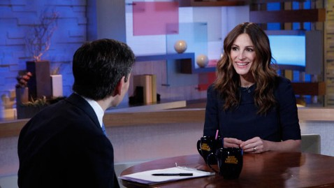 abc julia roberts thg 120315 wblog Julia Roberts Opens Up on New Movie, Marriage and Girl Crush on Adele