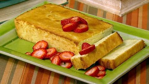 abc lemon polenta pound cake jef 120510 wblog Michael Symons Super Bowl Recipes
