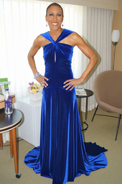 abc robin roberts oscars blue dress twitter thg 130224 vblog Oscars 2013: Academy Awards Live Updates