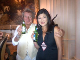 PHOTO: Rod Stewart, left, and Juju Chang at their interview in Beverly Hills, Calif.