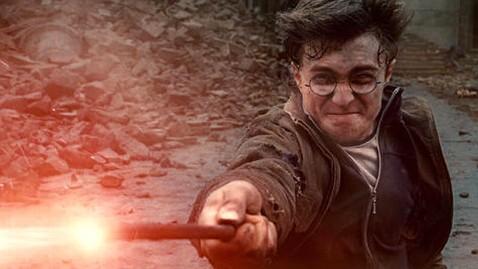 agb harry potter dm 120208 wblog Daniel Radcliffe: Oscars Sore Loser?