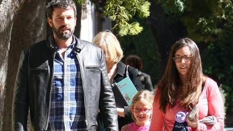 akm ben affleck violet jef 130225 wblog On Oscar Sunday, Ben Afflecks Daughter Wins Trophy of Her Own