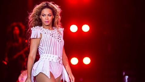 ap beyonce copenhagen jt 130528 wblog Fan Slaps Beyonces Backside During Denmark Concert