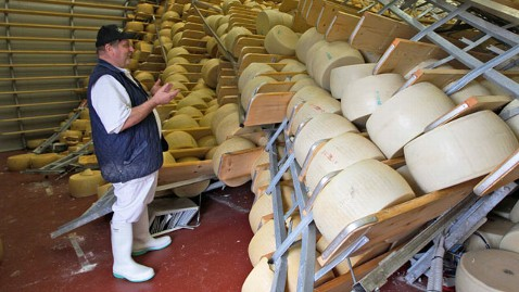 ap cheese destroyed kb 120522 wblog Italy Earthquake Is Hard Cheese For Suppliers