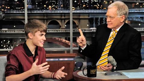 ap justin bieber letterman dm 111124 wblog Letterman Helps Bieber With Geography