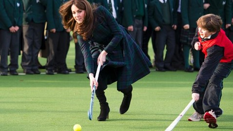 ap kate middleton hockey kb mn 121130 wblog Instand Index: Dog Day Afternoons, Hockey in High Heels