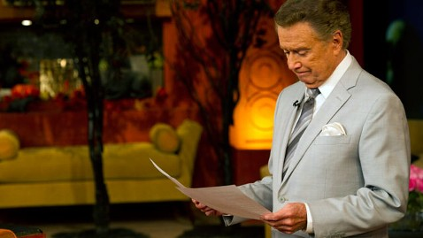 ap regis reads jef 111114 wblog Regis Philbin: It Was Time to Move On