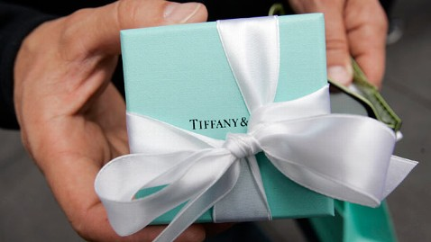 ap tiffanys jewelry blue box thg 120125 wblog Tiffany & Co. Drops a Hint to Men Everywhere