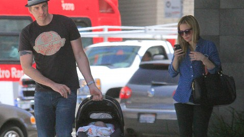 First Glimpse Kristen Bell Dax Shepard S Baby Girl Abc News