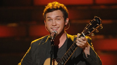 fox phillip phillips lpl 120525 wblog Phillip Phillips Kidney Surgery Reportedly Postponed