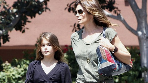 fp Kaia Gerber cindy crawford nt 120118 wblog Cindy Crawfords Daughter Follows Modeling Moms Footsteps