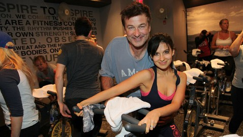 gty alec baldwin hilaria homas soulcycle sandy relief evet thg 121112 wblog Justin and Jessica Among Stars Aiding Sandy Victims