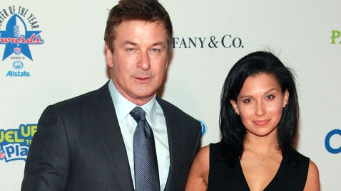 gty alec baldwin jef 120402 wblog Alec Baldwin Unleashes His Wrath Over Twitter, Again, to Defend Fiancée Hilaria Thomas