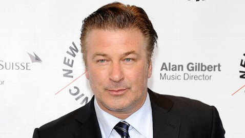 gty alec baldwin tk 111207 wblog Alec Baldwin Pokes Fun at American Airlines Incident on SNL
