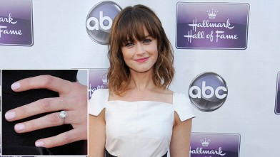 gty alexis bledel ring lpl 130418 wb First Look: Alexis Bledels Engagement Ring