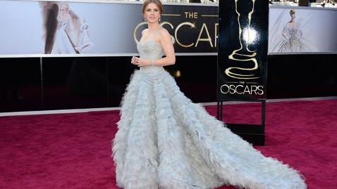 gty amy adams red carpet thg 130224 wblog Oscars 2013: Academy Awards Live Updates