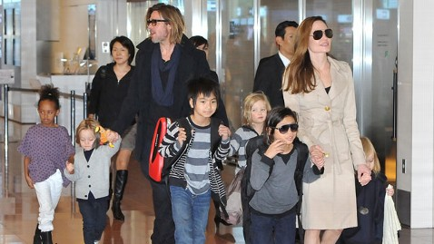 gty angelina jolie brad pitt kids 120328 wblog Hollywood Stars and Their Show Biz Kids
