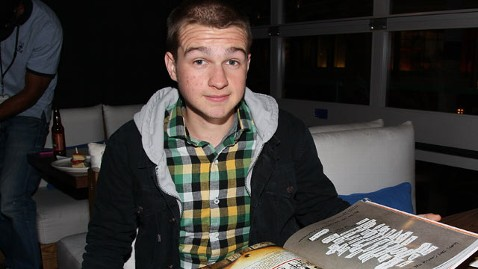 gty angus t jones thg 121126 wblog CBS CEO Hints at Angus T. Jones Two and a Half Men Departure
