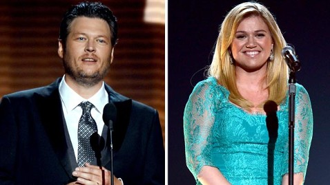 gty blake shelton kelly clarkson jef 130408 wblog Blake Shelton to Officiate Kelly Clarksons Wedding