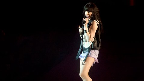 gty carly rae jepsen jef 130305 wblog Carly Rae Jepsen Cancels Scout Jamboree Over Gay Policies