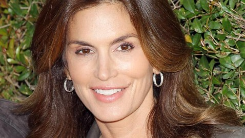 gty cindy crawford jef 130311 wblog Cindy Crawford Talks Love, Loss on Oprahs Master Class