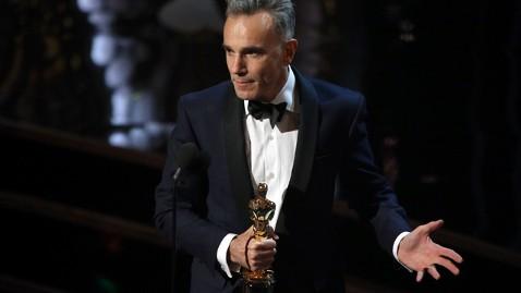 gty daniel day lewis kb 130224 wblog Oscars 2013: Academy Awards Live Updates