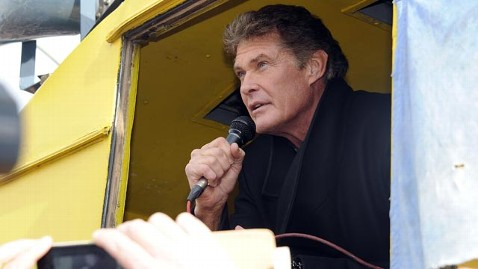 gty david hasselhoff protests jef 130318 wblog David Hasselhoff Joins Protest to Save Berlin Wall