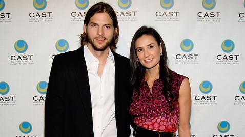 gty demi moore ashton kutcher jt 120304 wblog Did Ashton Kutcher Visit Demi Moore in Rehab?