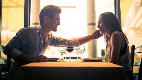 gty dinner date jef 130426 wblog Survey Reveals Adulterers Favorite Restaurants